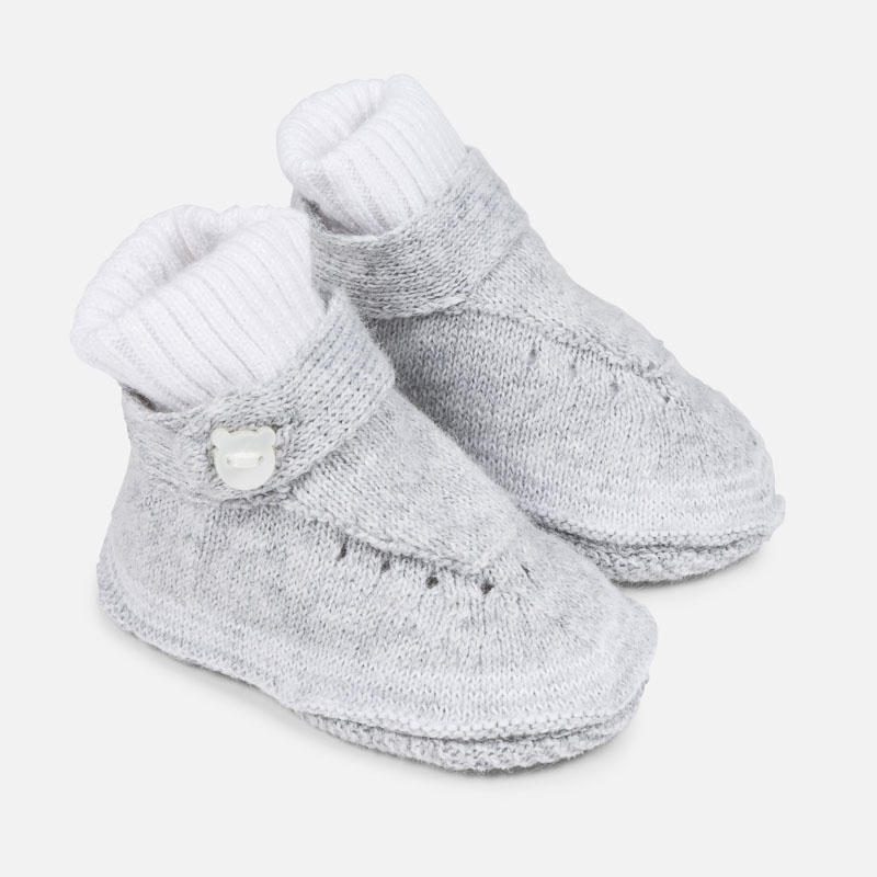 check out 73bb3 4ab99 Stickad babybootie grå front
